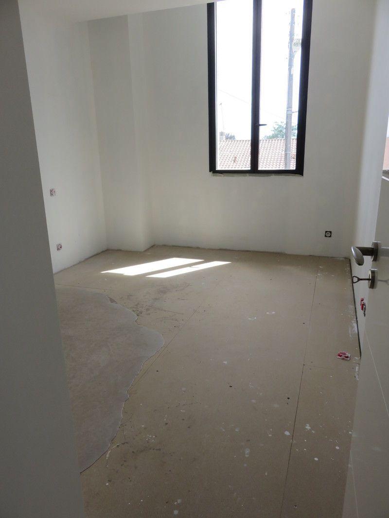 pose parquet flottant chambre 4. Black Bedroom Furniture Sets. Home Design Ideas